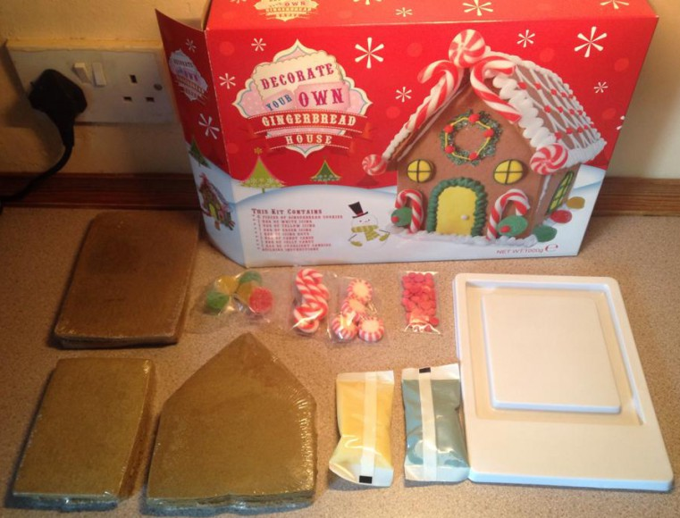 decorate own gingerbread