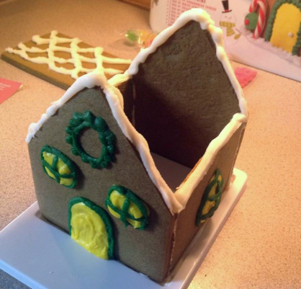 gingerbread house no roof