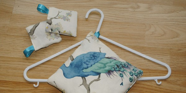 How to Make a scented wardrobe sachet with pictures