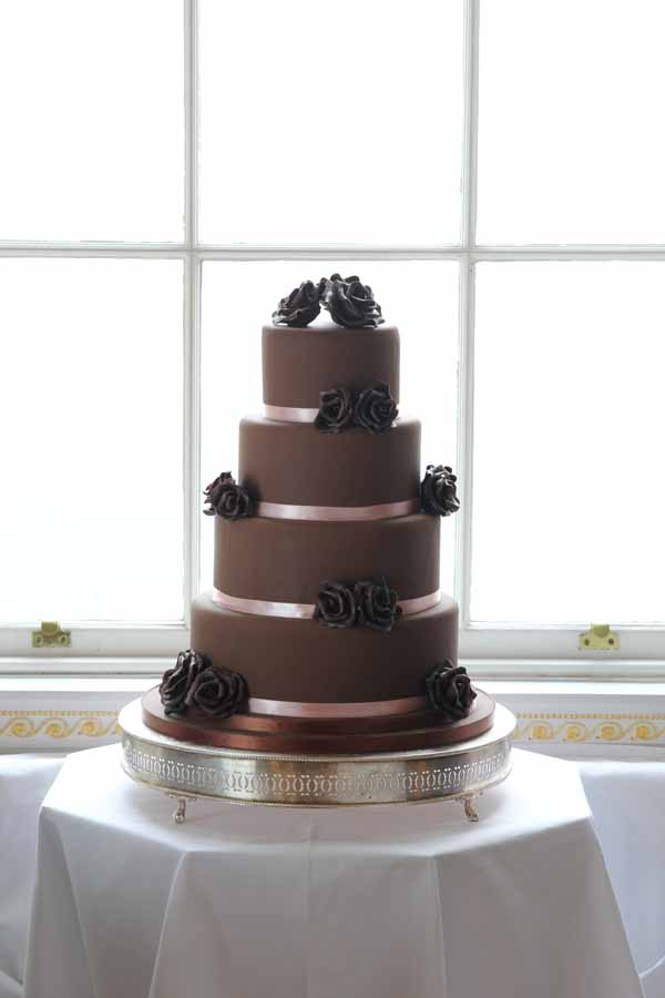 chocolate wedding cake ideas flowers