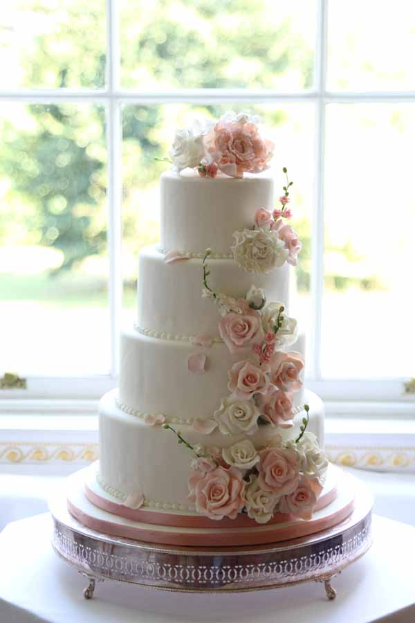 pink and white flowers wedding cake idea