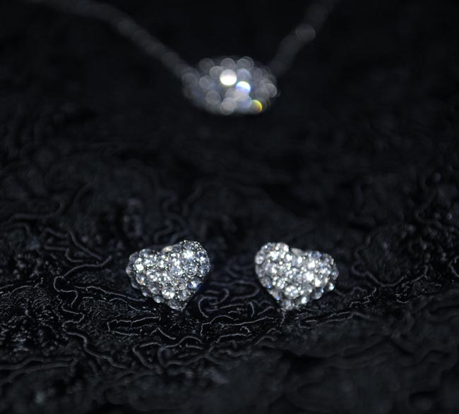 heart necklace and earrings sparkly