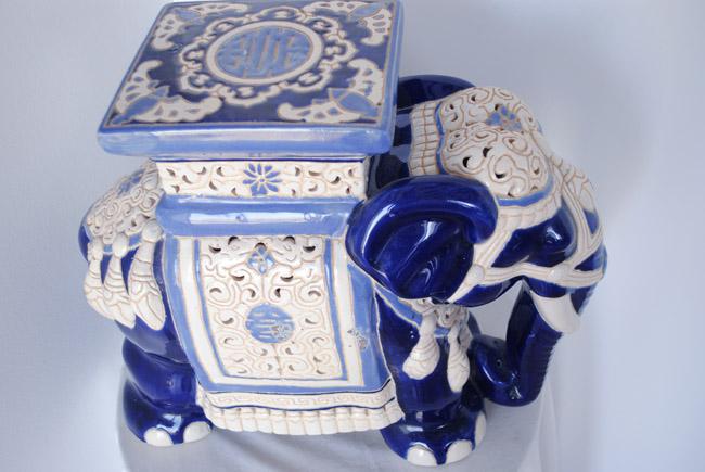 interior design ideas elephant blue and white decor