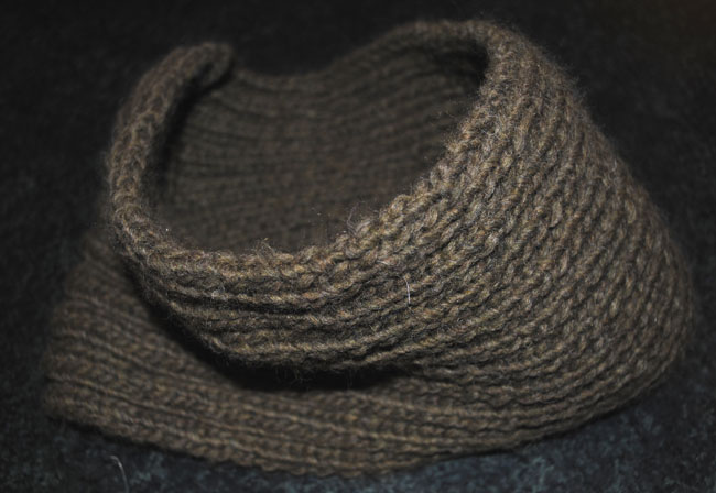 ribbed brown cowl snood for men knitted pattern