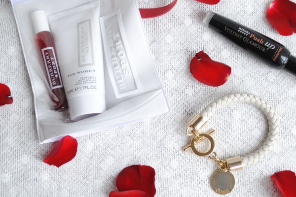 Valentine's Day gift ideas perfume, beauty items, make up and jewellery