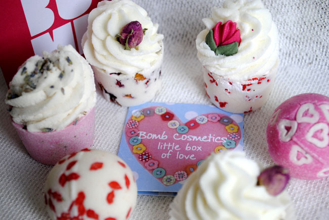 Bomb bubble bath gifts beauty blog floral fruity cute