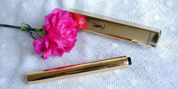 YSL touche eclat highlighter pen review beauty blog