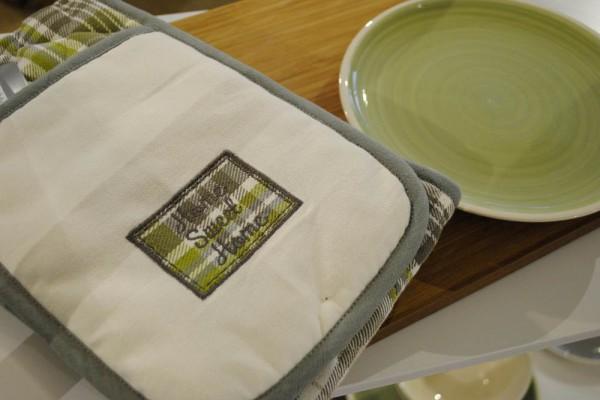 oven glove from Matalan Autumn winter 2015 set