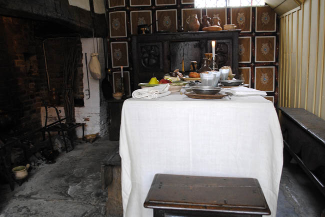Stratford Upon Avon shakespeare birthplace dining room