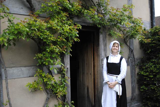 shakespeare birthplace actress theatre costume drama