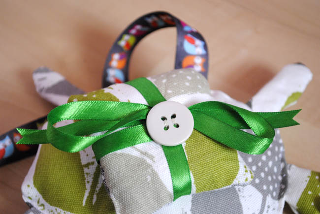 Tortoise ring bearer ribbon diy do it yourself crafts guide