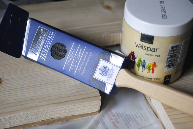 painting the letter with valspar colour tester pot