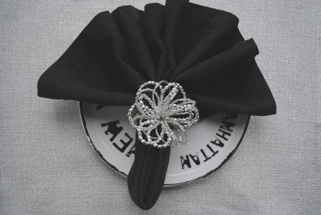 the fan napkin folding tutorial with pictures