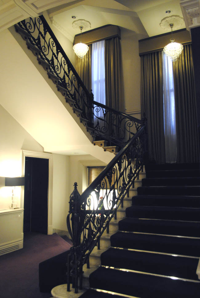 thistle kindsley hotel staircase grand