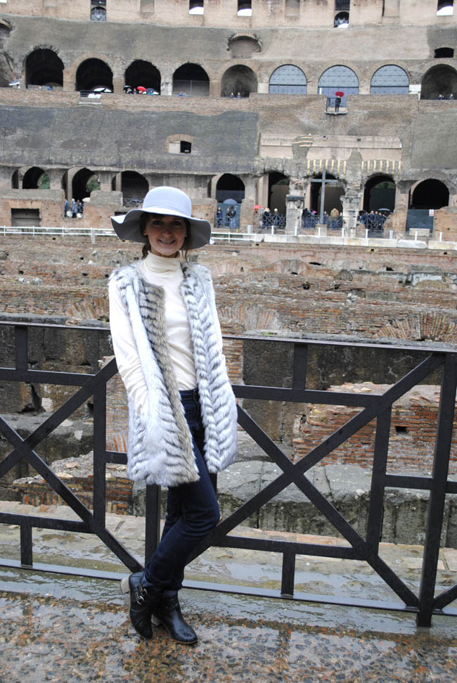 alina travel blog lifestyle colesseum interior