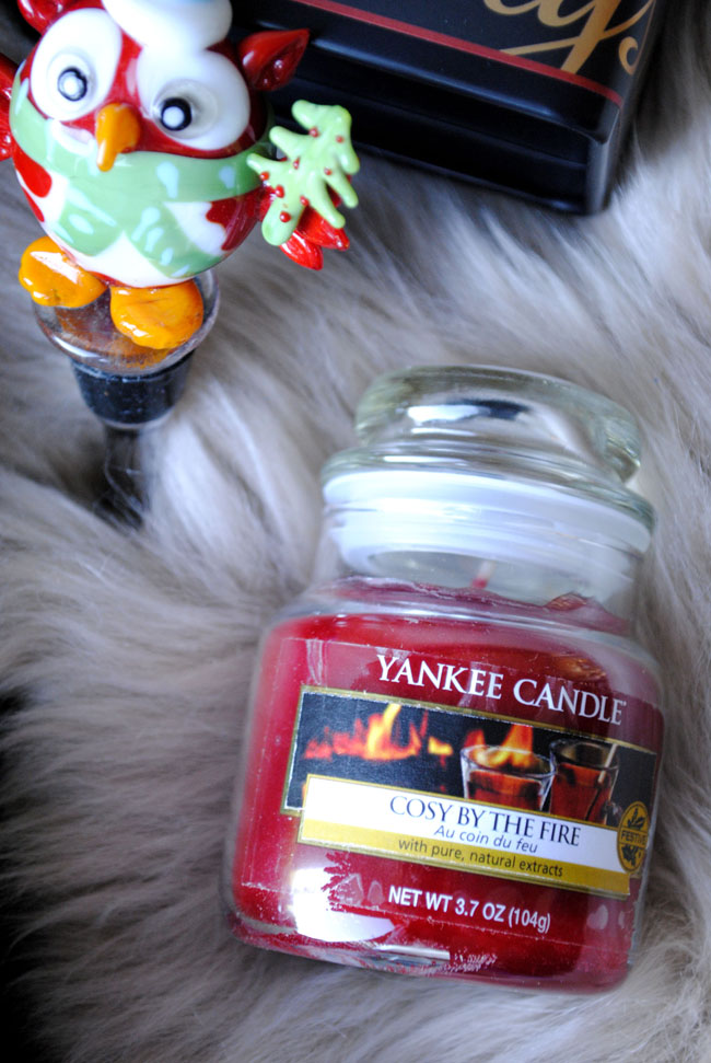 christmas yankee candle cosy by the fire