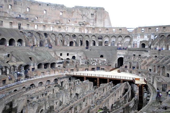 gladiator ring battle colleseum italy rome