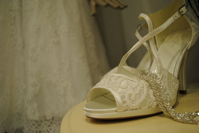 wedding second hand dress shoes jewellery save on getting married