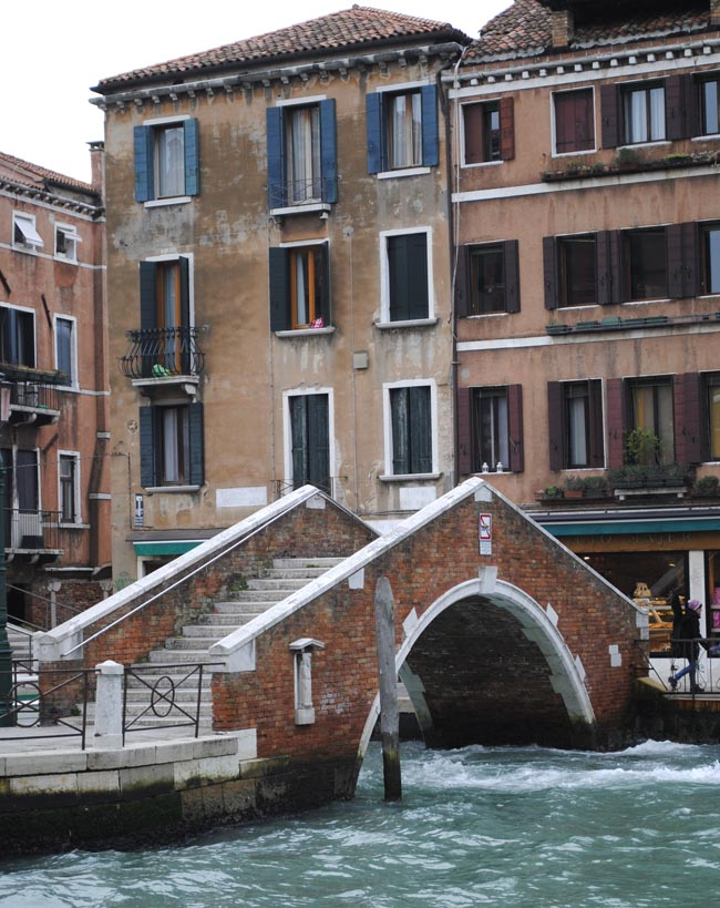 brick bridge in venice water street