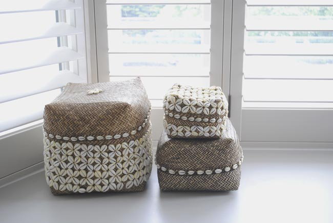 bathroom storage accessories from sea shells and wicker