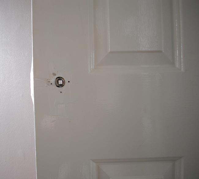 door with no handle