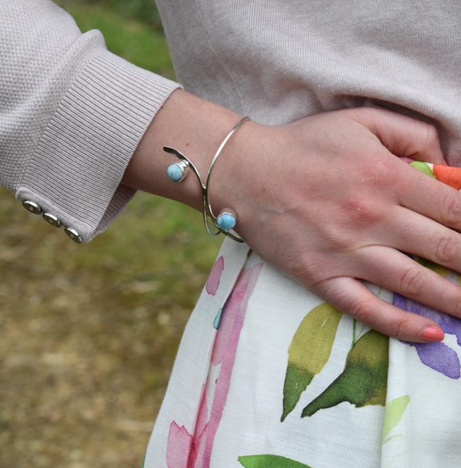 blue bracelet fashion blogger essex london