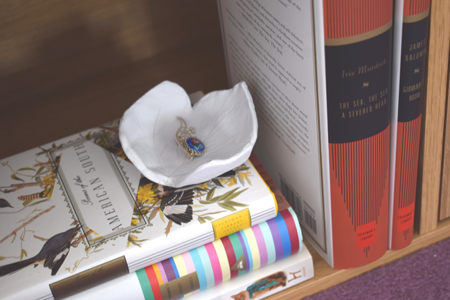 bookshellf with DIY jewellery bowl
