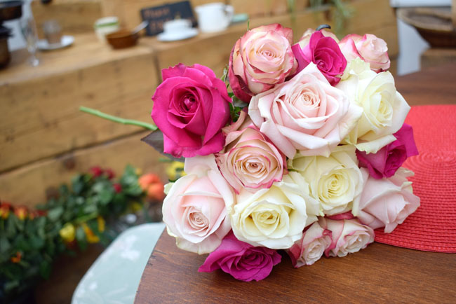 ombre roses bouquet beautiful blooms