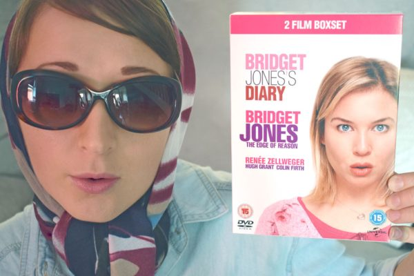 bridget-jones-scarf-and-glasses-movies-night-in