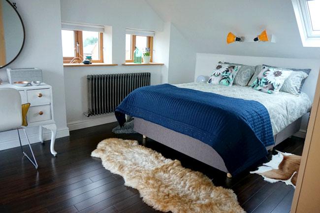 love-chic-living-bedroom-makeover-attic-loft-renovation-ideas