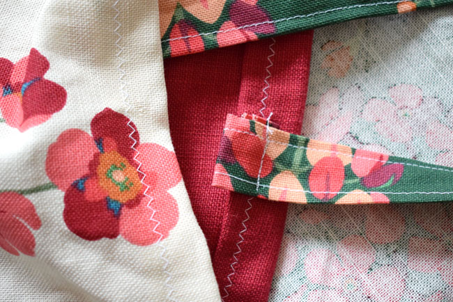 sewing-a-strap-to-a-bag