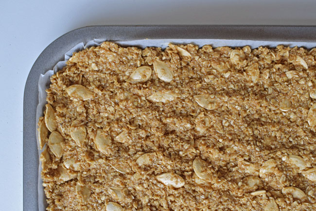 halloween-flapjack-recipe-idea-in-tray