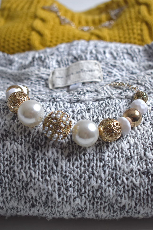 knitwear-and-statement-necklace-jewellery