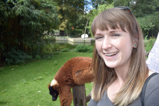 selfie-with-a-leema-in-amsterdam-zoo
