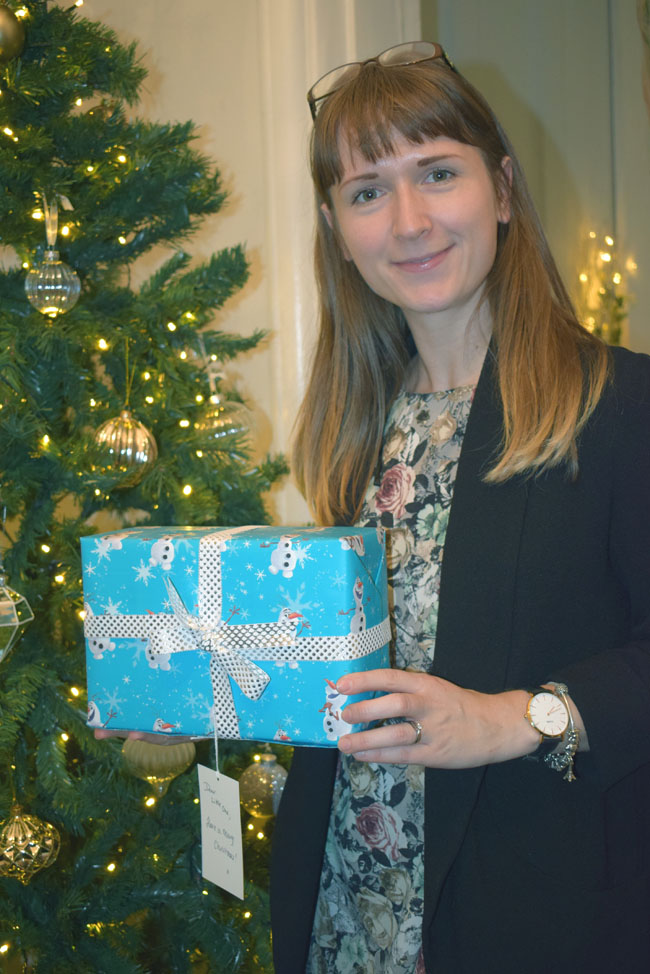 ms-christmas-wrapping-event-for-charity