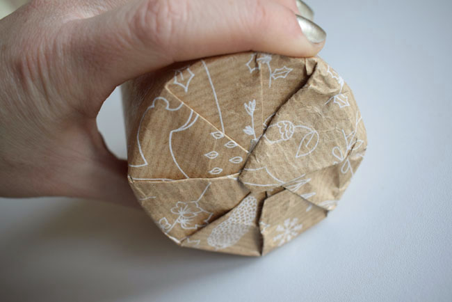 double-sided-sticky-tape-on-wrapping-paper