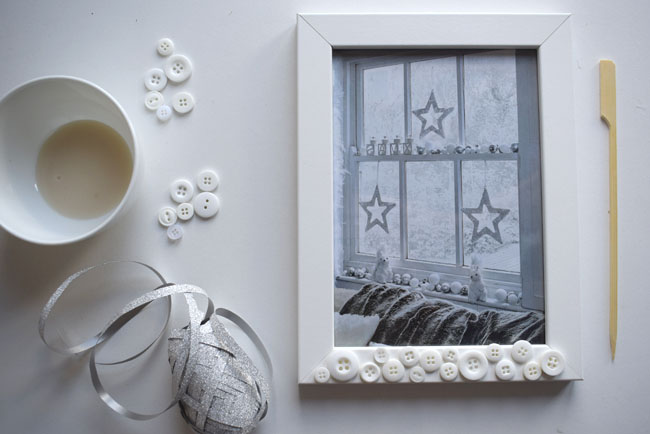 ribbon-buttons-glue-white-frame-crafts-ideas