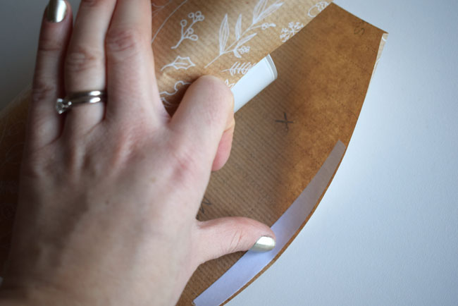 wrapping-like-a-pro-with-invisible-tape