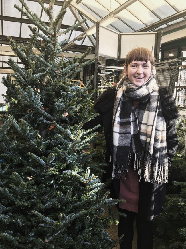 alina-ghost-choosing-real-christmas-tree-homebase