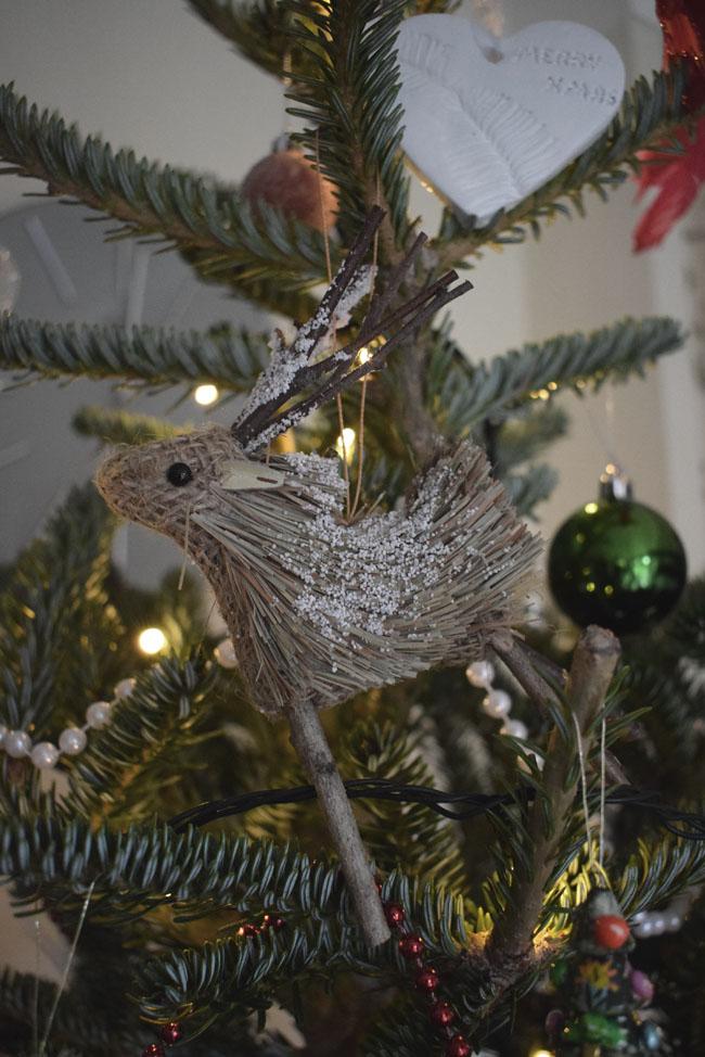 wooden-reindeer-christmas-decoration